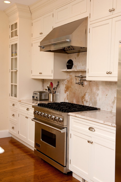 traditional kitchen 1 14